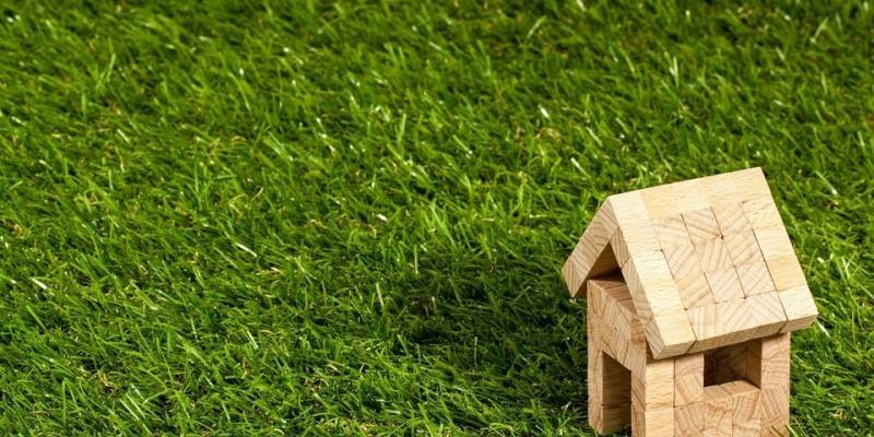 hire-a-lawn-care-professional